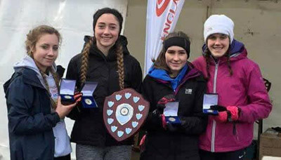 Northern cross country under-17 ladies' champions Rebecca Jones, Hannah Richards